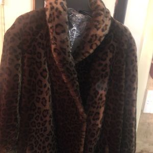 Faux fur cheetah long coat 12 fits like 14/16